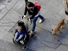 El 44% de europeos cree que el papel de la mujer es cuidar el hogar