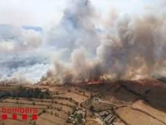 Un espectacular incendio afecta 30 hectáreas en Sant Fruitós de Bages