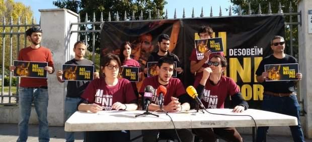 Los jóvenes investigados por quemar fotografías del Rey en la Diada de Mallorca