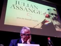 Garzón exige a Londres que revele sus cargos contra Assange