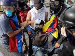 Un muerto por disparos de un guardia en una marcha opositora en Caracas
