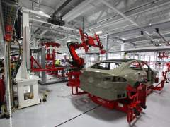 Tesla estudia abrir su primera fábrica en China