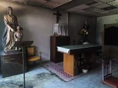 """Intento de incendio y pintadas en la capilla de la UAM: """"La iglesia que ilumina es la que arde"""""""
