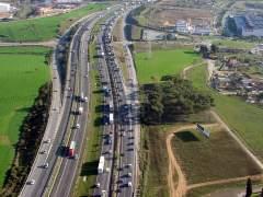 Retenciones de hasta 36 kilómetros en la AP-7 de Barcelona