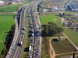 Carretera en Catalunya, colas (ARCHIVO)