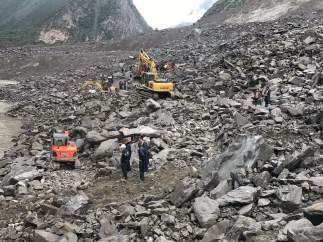 Un deslizamiento de tierra deja al menos 120 desaparecidos en Sichuan (China)