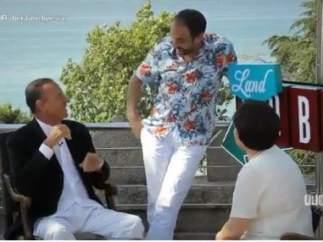 Julio Iglesias, entrevistado en la tele gallega por la madre de un presentador