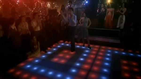 A subasta la pista de baile de 'Fiebre del sábado noche'