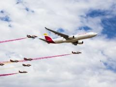 Iberia celebra sus 90 años de historia con una exhibición aérea