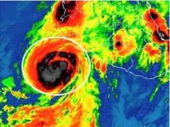 Dora se convierte en huracán de categoría 1