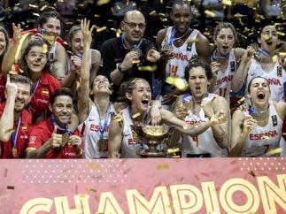 La selección femenina y masculina de baloncesto