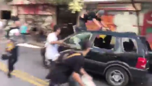 Un coche sin control atropella a varios 'skaters' en Brasil
