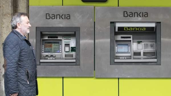 Bankia superar el 30 de cuota de mercado en la provincia for Oficinas de bankia en granada
