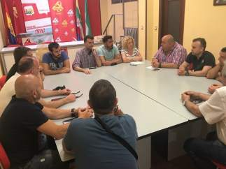 Reunión de Maíllo con trabajadores de Aeroepoxy Composites Andalucía.