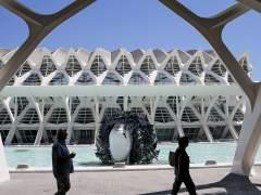 Escultura de Manolo Valdés en la Ciudad de las Artes de Valencia
