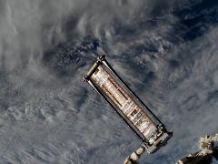Nuevo panel solar de la Estación Espacial