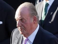 """El rey Juan Carlos, """"dolido"""" por no haber sido invitado al acto por los 40 años de las primeras elecciones"""