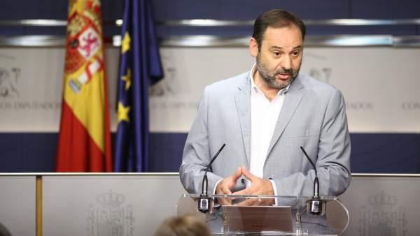 Rueda de prensa de José Luis Ábalos en el Congreso