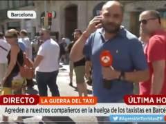 Varios taxistas agreden al equipo de 'Espejo Público'