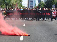 Huelga de taxistas contra las licencias VTC de Uber y Cabify