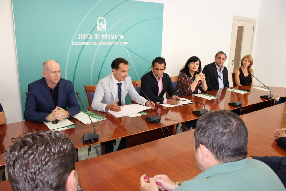 La junta destina euros para el fomento del sector for Oficina junta de andalucia