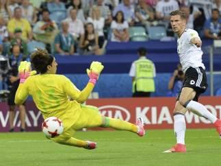 Gol de Goretzka a Ochoa