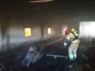 Incendio en una granja de pollos
