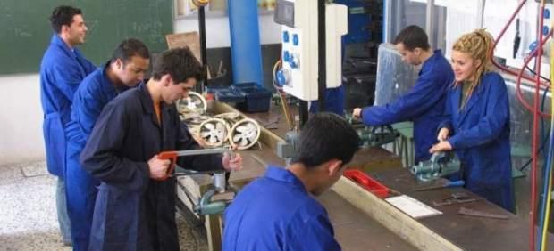 Jóvenes trabajando