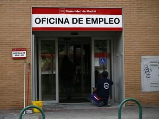 El paro registrado baja en 26.887 personas en julio hasta los 3,3 millones de desempleados