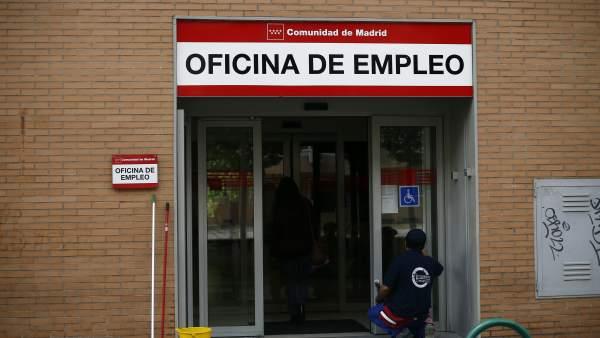 El paro registrado baja en personas en julio hasta for Oficina registro comunidad de madrid