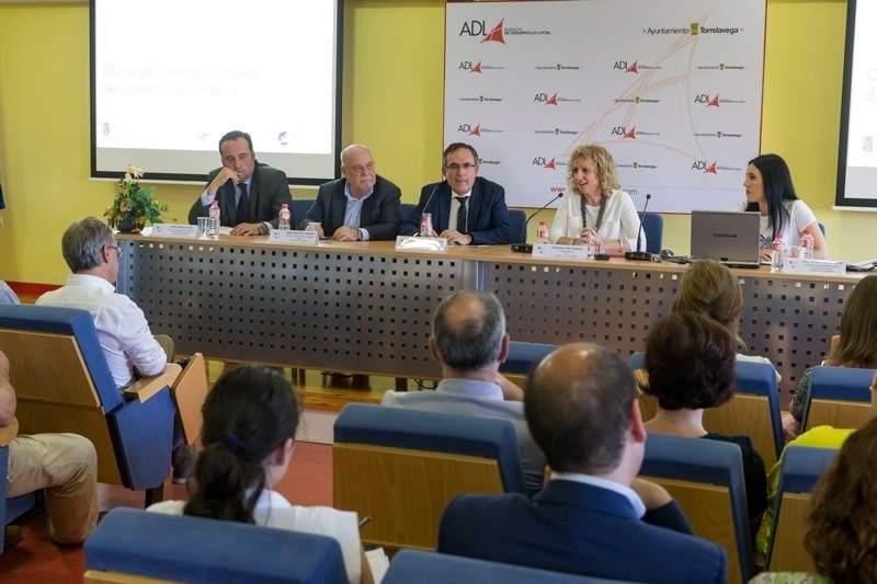 Cantabria primera comunidad aut noma con una oficina de for Oficina empleo cantabria