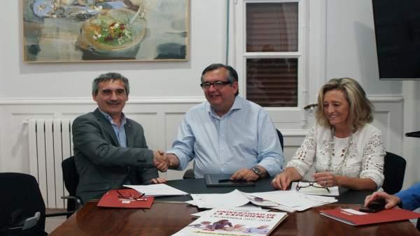 Convenio Ayuntamiento Calahorra y UR