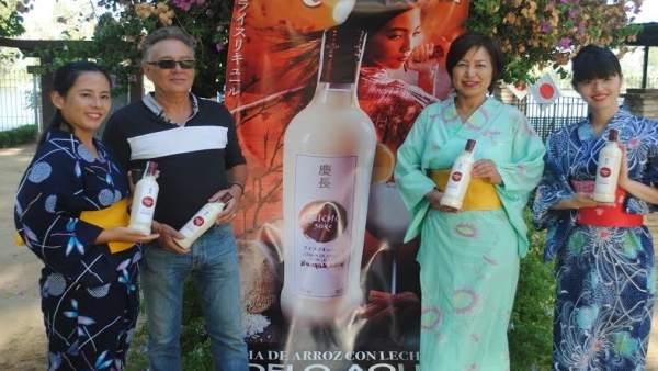Presentación del primer licor de sake japonés elaborado en España