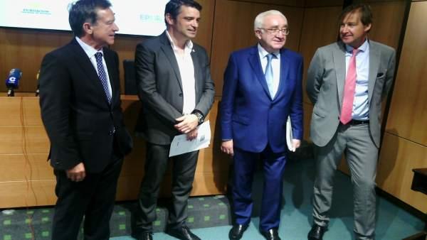 Por la izquierda, Macián, Campo, Quirós y Piñera.