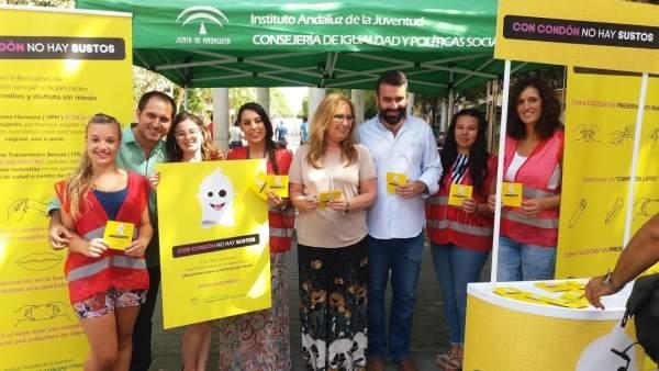 Pizarro (izda.), Luna y Mayoral presentan la campaña 'DisfrutaSinMiedo'