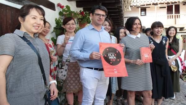 García (centro), en la presentación de 'El Barrio del Flamenco'