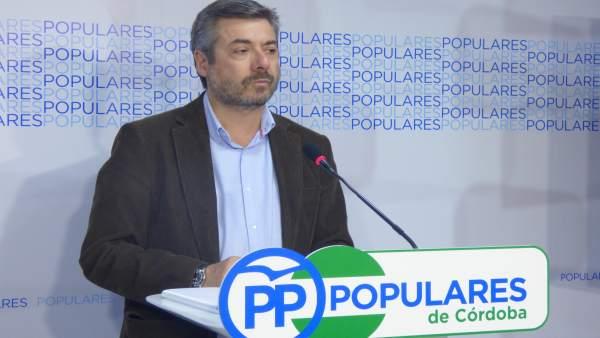 Miguel Ángel Torrico en la sede del PP de Córdoba