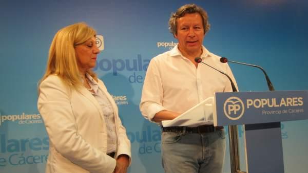 Carlos Floriano y Dolores Marcos, diputados del PP por la provincia de Cáceres