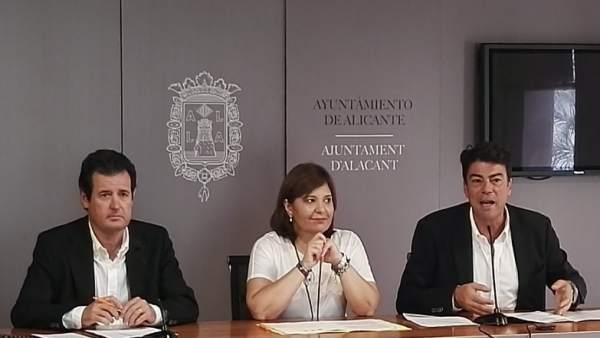 José Císcar, Isabel Bonig y Luis Barcala en rueda de prensa