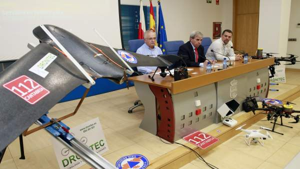 11:30Sala De Prensa Del Gobierno De Cantabria El Consejero De Presidencia Y Ju