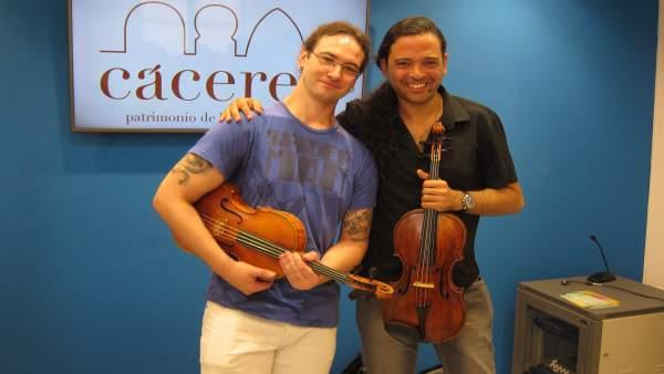 Los violistas Juan Luis Orozco y Yuval Gotlinovich