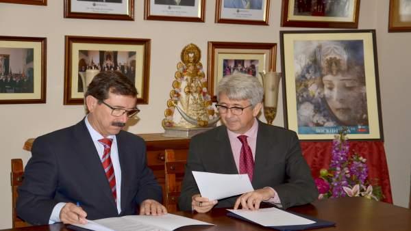 Acuerdo entre la Fundación Cepsa y la Hermandad del Rocío de Huelva.