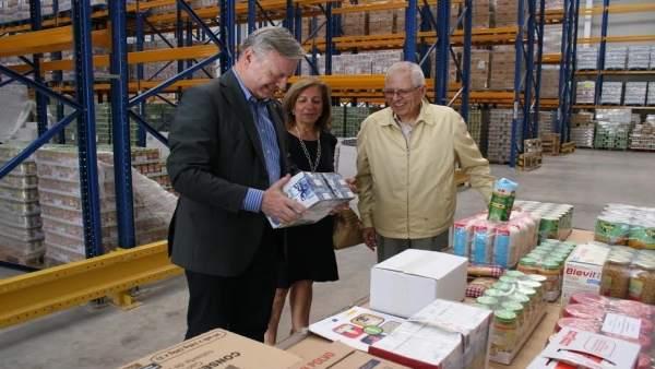 Primo Jurado visita las instalaciones de Banco de Alimentos