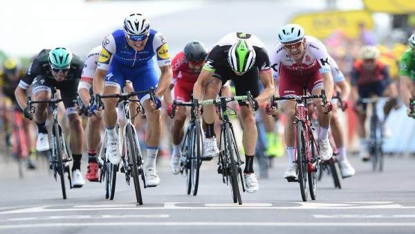 Kittel sprintando junto a Boasson Hagen y Matthews