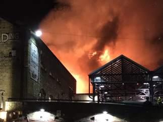 Incendio en el Mercado de Camden, Londres