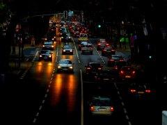 Luces de cruce de los coches