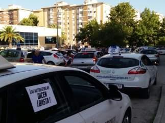 Protesta de coches de autoescuelas
