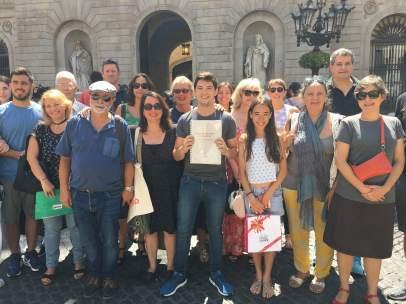 Anfitriones de Airbnb arropan a la plataforma ante el Ayuntamiento