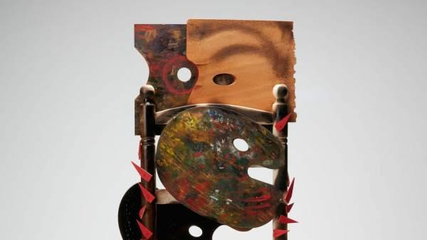 La silla de Alejandro Sanz para la campaña de CEAR