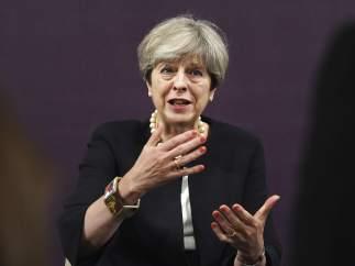 Reino Unido ofrecerá pagar al menos 20.000 millones de euros a la UE tras el 'brexit'